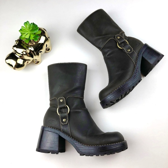 57d23e85d7f 90s VTG Brown Chunky Heel Skechers Harness Boots